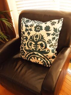 Envelope Pillows - A fantastic first sewing project