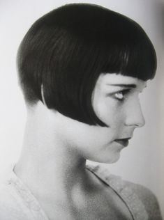 Louise Brooks and her perfect bob.  black bob and bangs