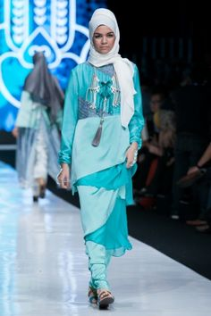 Jakarta Fashion Week 2014 – Restu Anggraini untuk Rumah Ayu