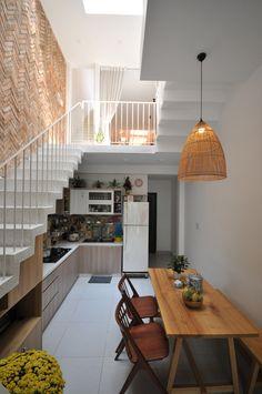 Trendy home decoration indian magazines Ideas Home Room Design, Home Interior Design, Kitchen Design, Kitchen Ideas, Kitchen Layout, Minimalist House Design, Small House Design, Kitchen Under Stairs, Loft Kitchen