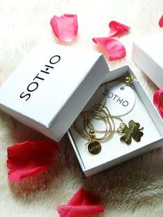 http://blogmanekineko.blogspot.com/2015/02/delikatna-bizuteria-od-sotho.html  #lovely #jewellery@sothopl  #sotho #lucky #love #amazing #girly #happy #jewelry #biżuteria #beautiful #blogger #blog #girl #polishgirl #blogerka #style #fashion #glamour #roses #clover #poland #polska