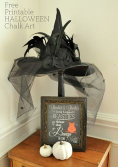 looking for a sweet Halloween sign that is not so scary? Print out my Halloween Chalk art printable to frame to scare the kiddies this year! Halloween Witch Hat, Halloween Signs, Holidays Halloween, Halloween Diy, Happy Halloween, Witch Hats, Printable Halloween Decorations, Halloween Printable, Halloween Chalkboard
