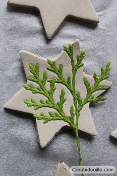 Clay decorations for Christmas trees – Ciloubidouille - Weihnachten Christmas Clay, Christmas Projects, Christmas Time, Christmas Ornaments, Ceramic Christmas Trees, Natural Christmas, Christmas Ideas, Decorations For Christmas Trees, Christmas Centerpieces