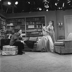 Lauren Bacall, Noel Coward & Claudette Colbert in Blithe Spirit