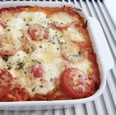 Yummie, deze lasagne gemaakt van geplukte kip was van het weekend écht een succes! De combinatie van kip met monchou en tomaten is heerlijk.