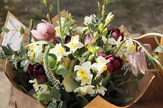 Florist in the Forest: Pop up shop - wrapped bouquets