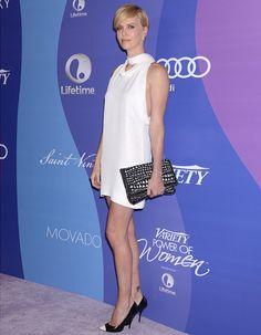 Charlize Theron, retour sur le tapis rouge en robe Stella McCartney