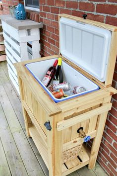 Cooler stand - Custom Cooler stands (Local Nashville Area only due to shipping) Diy Furniture Hacks, Home Decor Furniture, Pallet Furniture, Rustic Furniture, Antique Furniture, Modern Furniture, Handmade Furniture, Cheap Furniture, Furniture Design