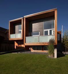 + Arquitetura :     Interessante o aspecto contemporâneo dessa residencia em New Westminster (Canadá), projetado pela Randy Bens Architect.