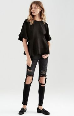 A Crazy Cool All-Black Look To Copy Now