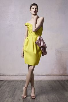 Jason Wu Collection Fall 2019 Ready-to-Wear Fashion Show Collection: See the complete Jason Wu Collection Fall 2019 Ready-to-Wear collection. Look 6 New York Fashion, Daily Fashion, Fashion Beauty, Kids Fashion, Jason Wu, Online Fashion Magazines, Fashion Show Collection, Mellow Yellow, Casual Street Style