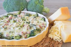 Koolhydraatarme broccolitaart met ham en kaas A Food, Good Food, Food And Drink, Yummy Food, Quiches, Low Carb Quiche, Healthy Recepies, Pasta, No Cook Meals