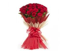 35 RED ROSES BUNCH WITH JUTE PACKING