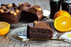 Chocolate Coca-Cola Orange Cake - Dette er en saftig og spennende sjokoladekake fra USA, som inneholder Coca-Cola og appelsinjuice. Sjokoladefyll og glasur er laget med appelsinsjokolade! Deilig kake! Coca Cola, Smoothie, Desserts, Recipes, Food, Tailgate Desserts, Deserts, Coke, Recipies
