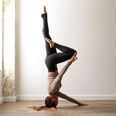 These days, yoga classes have actually ended up being a requirement than ever. The practice is appearing in fitness centers, schools, and even some shops, not to discuss actual yoga studios! Yoga Meditation, Yoga Flow, My Yoga, Yoga Dance, Yoga Handstand, Yoga Inversions, Handstands, Ashtanga Yoga, Bikram Yoga