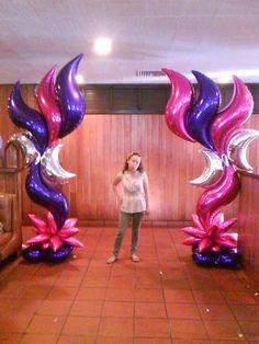If this is your work, please claim it! Balloon Columns, Balloon Arch, Balloon Garland, Metallic Balloons, Foil Balloons, Star Decorations, Balloon Decorations, Deco Ballon, Princesa Jasmine