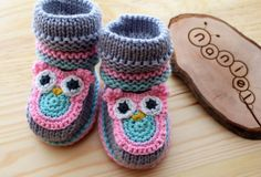 Knitted baby boots. 100% merino wool. MADE TO ORDER by NanielShop