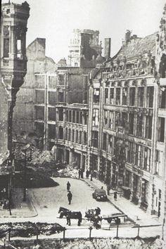 Berlin 1945 Der Hausvogteiplatz im Sommer 1945.