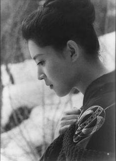 歴史的速報@2ch : 古写真見ると江戸時代の島津家の姫様が可愛かった Japanese Film, Japanese Beauty, Vintage Japanese, Asian Beauty, Keiko Matsuzaka, Japan Woman, Japanese Characters, Old Actress, Photography Women