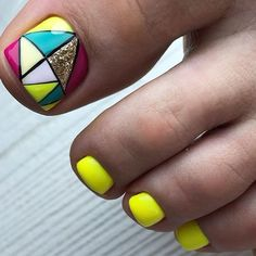 Pretty Toe Nails, Cute Toe Nails, Pretty Toes, Toe Nail Art, Pedicure Designs, Toe Nail Designs, Burgundy Matte Nails, Yellow Toe Nails, Manicure