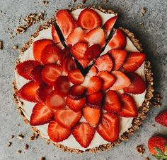 Strawberry Pretzel Tart recipe by The Wood and Spoon Blog. A sweet and salty pretzel crust filled with a no bake cheesecake filling and topped with fresh strawberries. This quick tart takes less than 30 minutes and is great spring and summer treat .