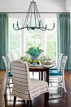 Attrayant Kiawah Island Lowcountry Home: Stick To A Coastal Palette Decorating Dining  Rooms, Room Decorating