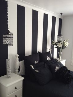 Black And White Striped Wallpaper Bedroom Ideas Modern Teen Great with regard to sizing 1920 X 1440 Black And White Striped Bedroom Ideas - Purchasing a be Black White And Grey Bedroom, Bedroom Black, White Walls, Black White Decor, Modern Bedroom, Trendy Bedroom, Black Bedrooms, Black Bedding, Black Accents