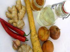 Betegek esküsznek a hatékonyságára: így készíts házi antibiotikumot fillérekből! Master Tonic, Natural Antibiotics, Apple Recipes, Turmeric, Vinegar, Chili, Sausage, Garlic, Meat