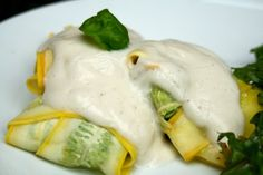 Chicken & Spinach Ravioli, uses thinly sliced summer squash instead of pasta, love it, will have to try!! #paleo #lowcarb