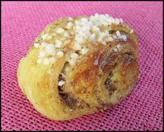 Pulla maistuu myös arkena! Käyttäjältä insanity_. Bagel, Baked Potato, Potatoes, Bread, Baking, Ethnic Recipes, Food, Bread Making, Patisserie