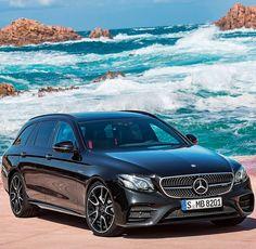Mercedes-Benz E43 AMG 4Matic Estate 2017 Enquanto no Brasil as #wagons estão em extinção na Europa continuam firmes mesmo com a invasão dos SUVs. Inclusive com essa nova versão esportiva apresentada pela Mercedes-Benz nesta semana. A E43 AMG Estate tem motor V6 biturbo 3.0 com transmissão automática de nove marchas e tração integral. O modelo rende 401 cavalos de potência com torque de 520 Nm de torque. A perua faz de 0 a 100 km/h em 4.7s com máxima limitada eletronicamente nos 250 km/h…