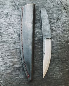 knife making metal Cool Knives, Knives And Swords, Collector Knives, Trench Knife, Metal Welding, Welding Art, Hard Metal, Edc Knife, Knife Sharpening