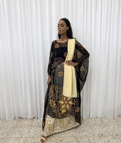 Dress Up Outfits, Modest Outfits, Fashion Outfits, African Beauty, African Fashion, Somali Wedding, Mode Abaya, Short Women Fashion, Modest Wear