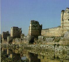 Constantinople theodosian walls sixteen century