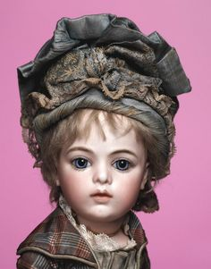 Beautiful Bru Jne 3.....Scroll down on the page to see the lovely arms and hands on this doll.