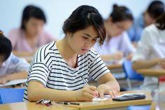 Sự thay đổi liên tục kỳ thi THPT, tuyển sinh đại học, cao đẳng làm cho xã hội không an tâm, cần có giải pháp lâu dài đối với kỳ thi này.