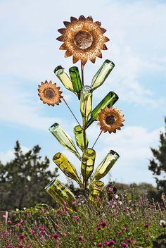 weinflaschen garten dekoration idee baum
