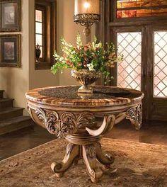 Benetti's italia foryer table