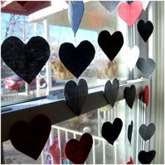 DIY HEART GARLAND FOR VALENTINE'S DAY Computer Paper, Heart Template, Heart Garland, Favorite Holiday, Paper Size, Paper Cutting, Color Patterns, Felt, Valentines