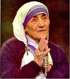 Monjes budistas dicen inspirarse en la Madre Teresa de Calcuta para ayudar a los musulmanes pobres