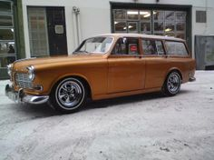 122 wagon with shaved flanks Volvo Wagon, Volvo Cars, Classic European Cars, Classic Cars, Retro Cars, Vintage Cars, Volvo 240, Rear Wheel Drive, Sweet Cars