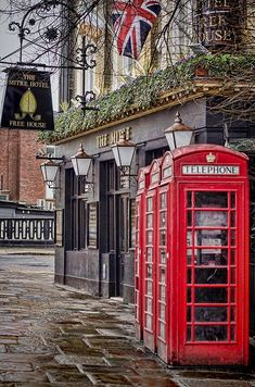 London is really neat because it has always been the capital of progress, inventions and style yet it preserves history so faithfully. I will go there someday...