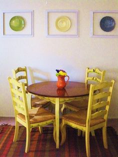 DIY Dining Room Hanging Plates on Wall Decor would love to do this with Fiesta plates! table and chairs Decor, Diy Dining, Plates On Wall, Dining Room Decor Diy, Diy Dining Room, Dinner Room, Yellow Kitchen Tables, Dining Room Walls, Kitchen Table Chairs