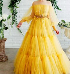 Details - Yellow bumblebee dress color - Tulle dress fabric - Embroidered crystal and leaves on waist - A-line gown with long sleeves and waist definition - For special occasions Prom Party Dresses, Evening Dresses, Dress Party, Quinceanera Dresses, Homecoming Dresses, Bridesmaid Dresses, Party Gowns, Dresses Dresses, Dance Dresses