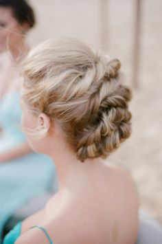 Hairstyle | On SMP: http://www.stylemepretty.com/australia-weddings/queensland-au/sunshine-coast/2013/11/26/sunshine-coast-beach-elopement-inspiration-from-little-owl-events-ale-kim-photography/  Photography: Ale & Kim Photogrphy