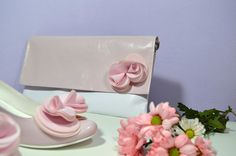 Růžové svatební lodičky, boty v K-stylu. Vychozí model Marry + zdobení exkluziv č. 7. + psaníčko na přání se zdobením exkluziv č. 7. Stejný materirál pro boty i kabelku. Růžová - pink. Model, Scale Model, Models, Template, Pattern, Mockup, Modeling