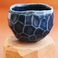 golden ink medium faceted, blue sake/coffee cup