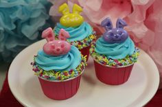 Easter bunny ring cupcakes