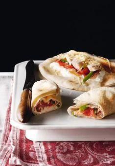 Gyro Pita, Greek Recipes, Burritos, Sandwiches, Tacos, Mexican, Yummy Food, Chicken, Ethnic Recipes
