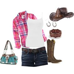 Summer Southern Outfit for a fun outdoor country concert